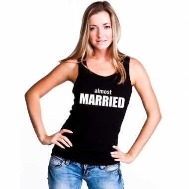 Almost married mouwloos shirt zwart dames
