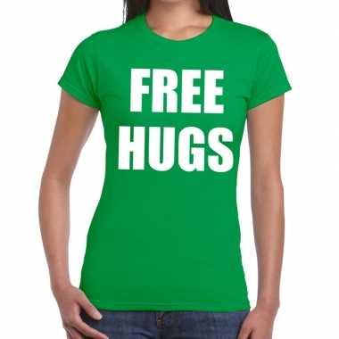 Free hugs fun t shirt groen dames