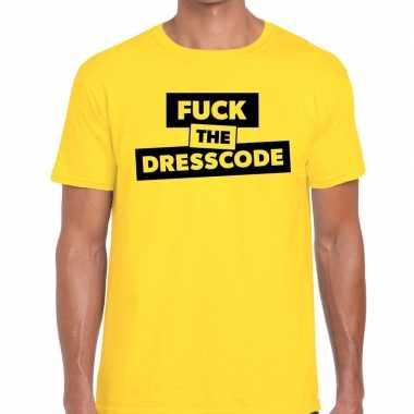 Fuck the dresscode fun t shirt geel heren