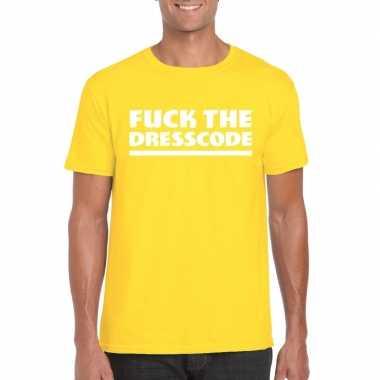 Fuck the dresscode fun t shirt heren geel