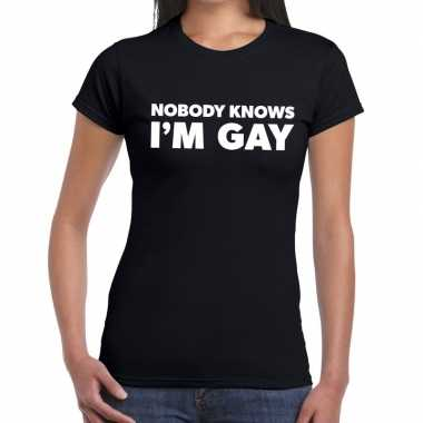 Gay pride nobody knows i am gay shirt zwart dames