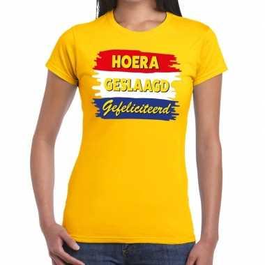 Hoera geslaagd gefeliciteerd geel fun t shirt dames