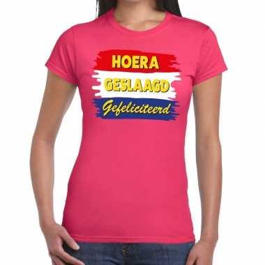 Hoera geslaagd gefeliciteerd roze fun t shirt dames