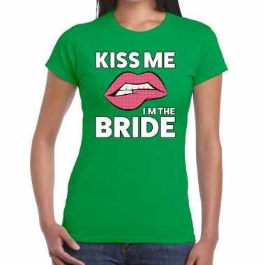 Kiss me i am the bride groen fun t shirt dames