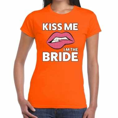 Kiss me i am the bride oranje fun t shirt dames