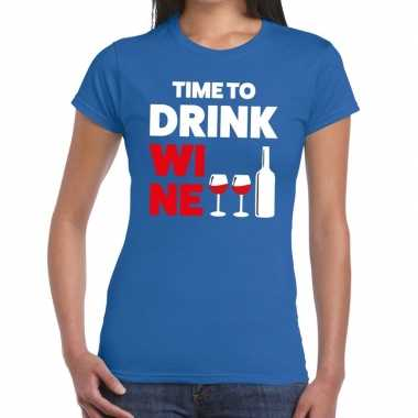 Time to drink wine fun t shirt blauw dames