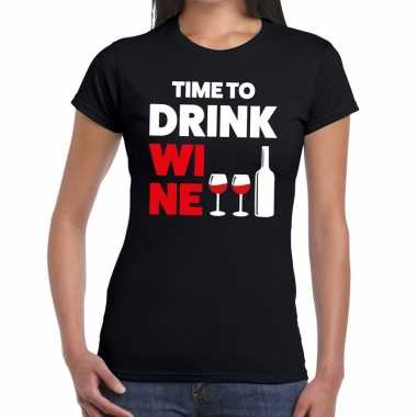 Time to drink wine fun t shirt zwart dames