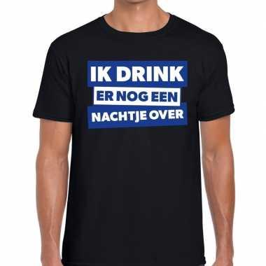 Zwart t shirt ik drink er nog een nachtje over fun t shirt heren