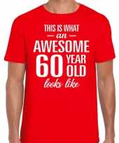 Awesome 60 year verjaardag cadeau t-shirt rood heren