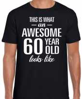 Awesome 60 year verjaardag cadeau t-shirt zwart heren