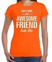 Awesome friend kado t-shirt oranje dames