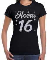 Zwart hoera 16 jaar verjaardag jubileum t-shirt dames zilveren glitter bedrukking