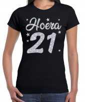 Zwart hoera 21 jaar verjaardag jubileum t-shirt dames zilveren glitter bedrukking